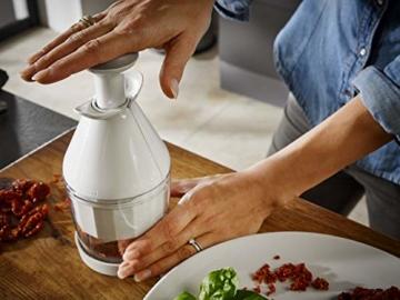 Leifheit Hacker Comfort und Clean für leichtes Zerkleinern von Lebensmitteln, Zerkleinerer mit Drehautomatik, Zwiebel Zerkleinerer in praktischem Design, ComfortLine-Serie - 3